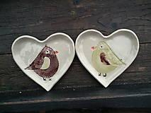 Nádoby - Mištička srdiečko: Vtáčik hnedo-zelená - 5169320_