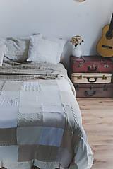 Úžitkový textil - Romantická prikrývka zo svetrov - 5187636_
