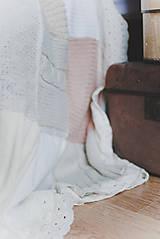 Úžitkový textil - Romantická prikrývka zo svetrov - 5187637_
