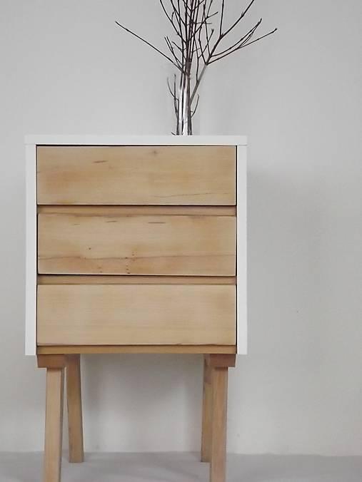 Komoda biela, drevené šuflíky