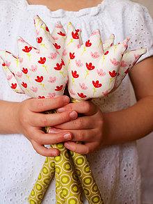 Dekorácie - záhon tulipánov v dlaniach - 5216496_