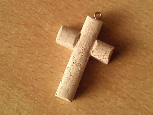 Krížik - prívesok.