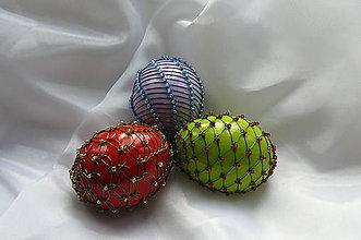Dekorácie - Drôtikované vajcia s korálkami - 5243683_