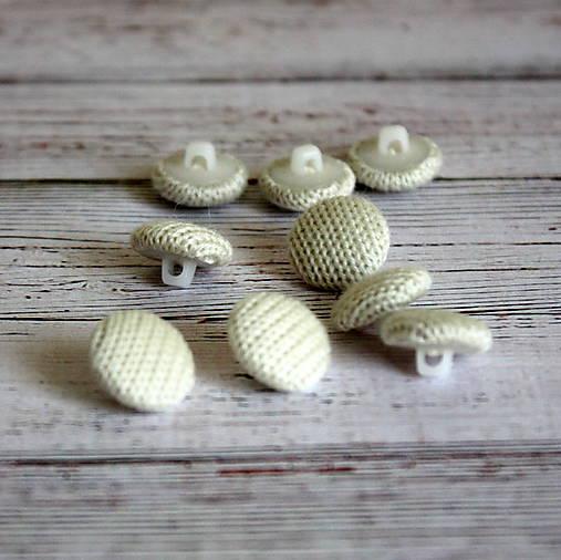 Gombíky v smotanovom svetríku 12mm