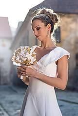 Svadobná kytica - Zlatá elegancia