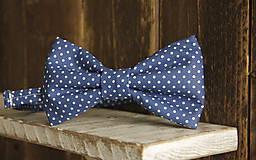 - Pánsky motýlik modrý s bodkami - 5249513_