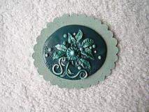 Odznaky/Brošne - Brošňa koženo-polymérová, romantický smaragd - 5264969_