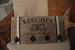 Nábytok - Drevený vešiak do kuchyne - 5274661_