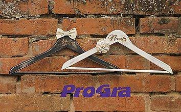 Nábytok - Svadobné vintage vešiačiky III. - 5278402_