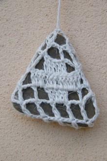 Dekorácie - Obháčkovaný kameň 2 - 5297272_