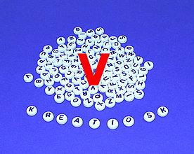 Korálky - V - Akrylové písmenko, biele - 5308681_