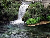 Fotografie - Vodopád v parku - 5309142_