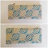 Taštičky - Ľanový peračník s cibuľkovou potlačou - modrý - 5350573_