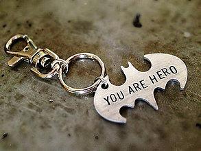 Kľúčenky - YOU ARE HERO + skoba - 5351530_