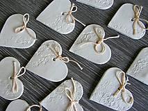 Darčeky pre svadobčanov - keramické srdiečko biele 5 cm - 5364582_