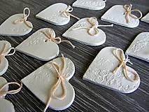 Darčeky pre svadobčanov - keramické srdiečko biele 5 cm - 5364583_