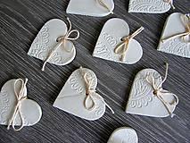 Darčeky pre svadobčanov - keramické srdiečko biele 5 cm - 5364585_