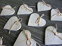 Darčeky pre svadobčanov - keramické srdiečko biele 5 cm - 5364588_