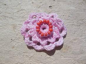 ece4a089b Odznaky/Brošne - Brošňa Kvet s dekoráciou korálok II. - 5364915_