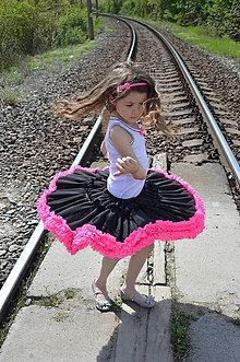 Detské oblečenie - čierna točivá sukňa s neónovými volánmi - 5376295_