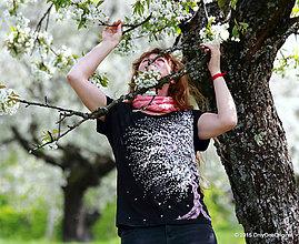Tričká - Dámske tričko maľované ČEREŠŇOVÝ DÁŽĎ - 5390111_