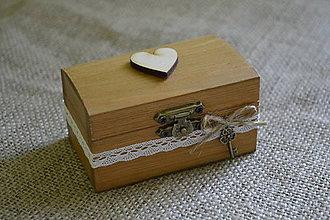 Prstene - krabička na prstienky s dreveným srdiečkom (hnedá) - 5415424_