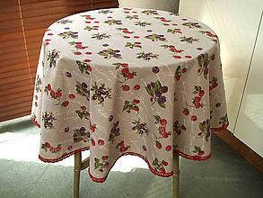 """Úžitkový textil - obrus """"lesné plody"""" s paličkovanou krajkou - 5413573_"""