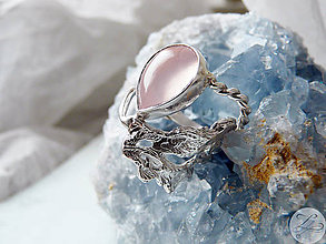 Prstene - Strieborný odlievaný filigránový prsteň s ruženínom - Ľadová jaskyňa - 5422476_