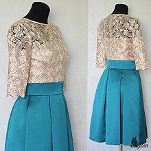 Šaty - Koktejlové šaty so skladanou sukňou a rukávikom - 5426933_