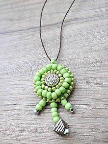 Náhrdelníky - Náhrdelník šitý, zelená farba - 5427090_