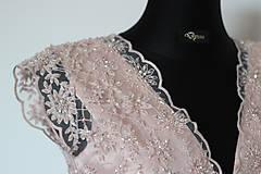 Šaty - Spoločenské šaty z korálkovej krajky - 5434971_