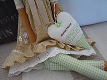 Bábiky - Béžovozelená so srdiečkom - 5435337_