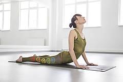 - Chakras Yoga legínky kaki - 5438565_