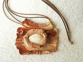 Náhrdelníky - Náhrdelník z polyméru, zrod lastúry - 5440092_