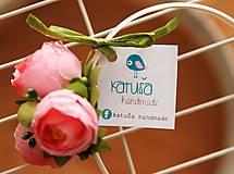 Pierka - svadobné pierko pivonka s bobuľkami - 5445749_