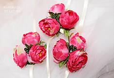 Pierka - svadobné pierko pivonka s bobuľkami - 5445750_