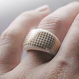 Prsteň zlaté bodky / RING RING - gold