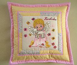 Úžitkový textil - Maľovaný vankúšik pre Karolínku... - 5447122_