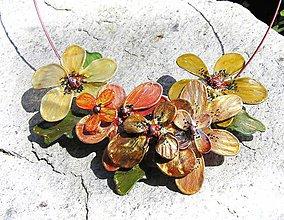 Náhrdelníky - gold-brondze flowers, kvetinový náhrdelník - 5464280_