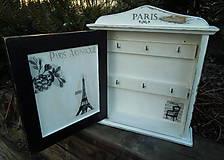 """Krabičky - Skrinka na kľúče """"Kreslo v Paríži"""" - 5469235_"""