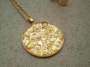 Náhrdelníky - Slnečný amulet s krištáľom - 5471576_