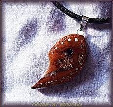 Náhrdelníky - 430. Drevený náhrdelník Veselá JABLOŇ - 5478010_