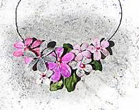 Náhrdelníky - violet kvetinový náhrdelník - 5481905_