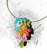 kvetinový prívesok