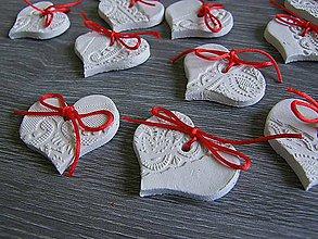 Darčeky pre svadobčanov - srdiečko s čipkovaným vzorom - 5492020_