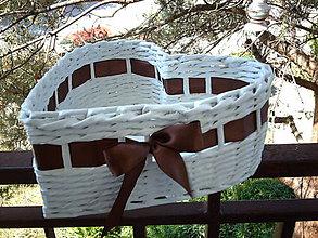Košíky - Srdiečko- darčekový košík - 5500842_