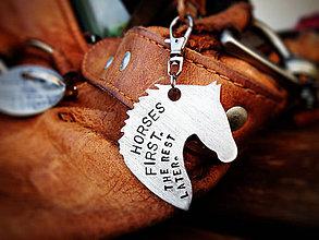 Kľúčenky - In Love With Horses / 2mm / cena za 1ks + 1x mini skoba - 5508507_