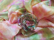 Šály - Pestrá lúka - Elegantný set - hodvábny šál + kvetinová spona na hodváb - 5514994_