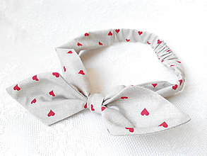 Ozdoby do vlasov - Pin Up Valentine headband on elastic (beige/red hearts) - 5521472_