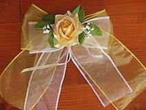 Dekorácie - Dvojfarebné mašle s ružou na kľučky auta - 5525295_